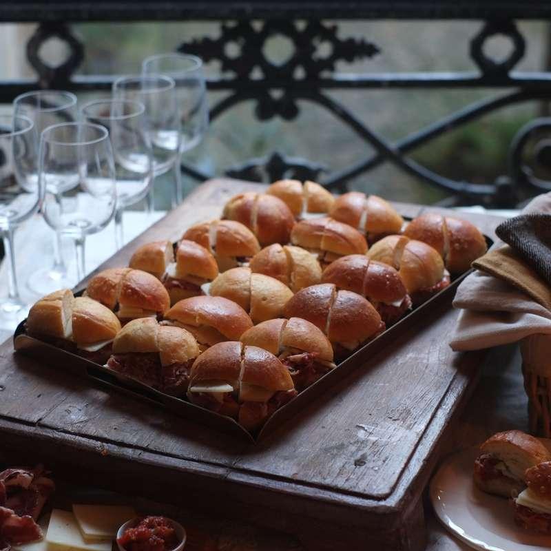 Bocadillos tomates confites, parme AOP et manchego (36 pièces) / à commander 48h à l'avance