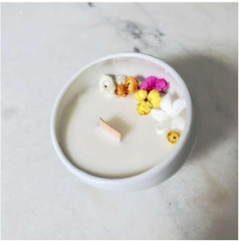 Bougie fleurie Fleur de Frangipanier, Organic Cocoon (9 x 7,5 cm)