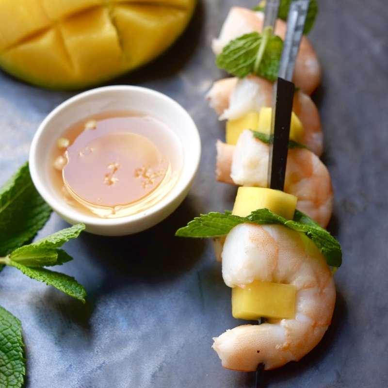 Grande planche de crevette, mangue, menthe fraiche, sauce thaï (60 pièces) / à commander 48h à l'avance