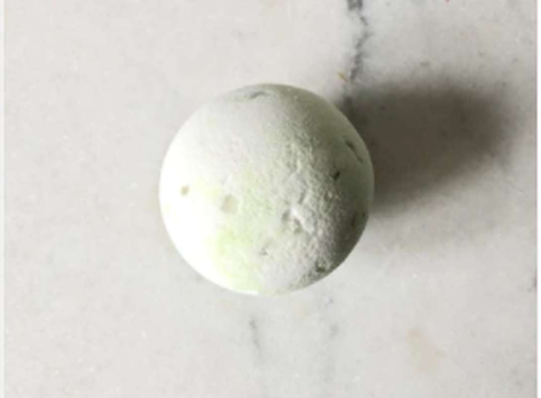 Bombe de bain moussante Jasmin en fleurs, Organic Cocoon (145 g)