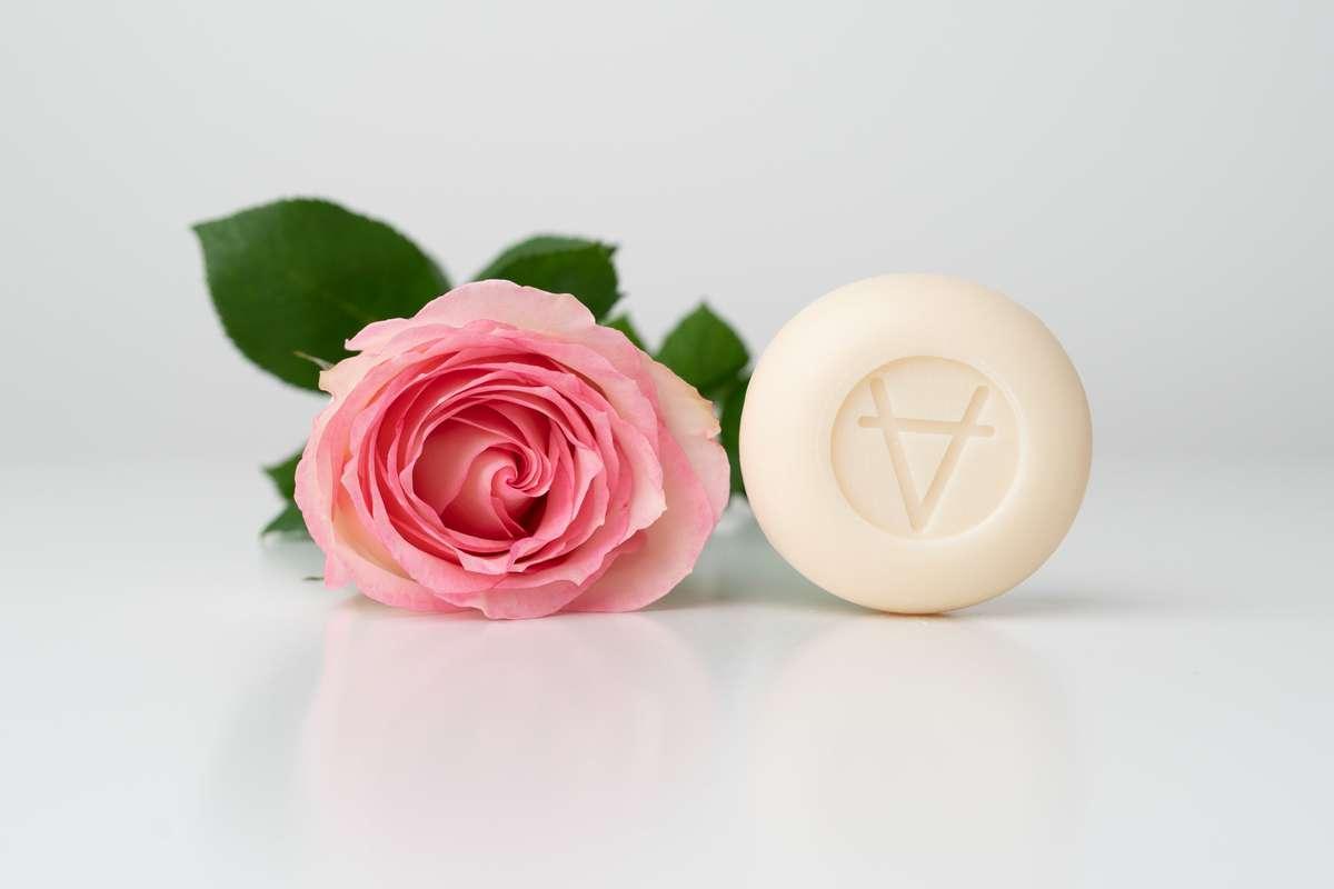 Savon au Lait de Chèvre parfum Rose, Soin Amalthée (100 g)