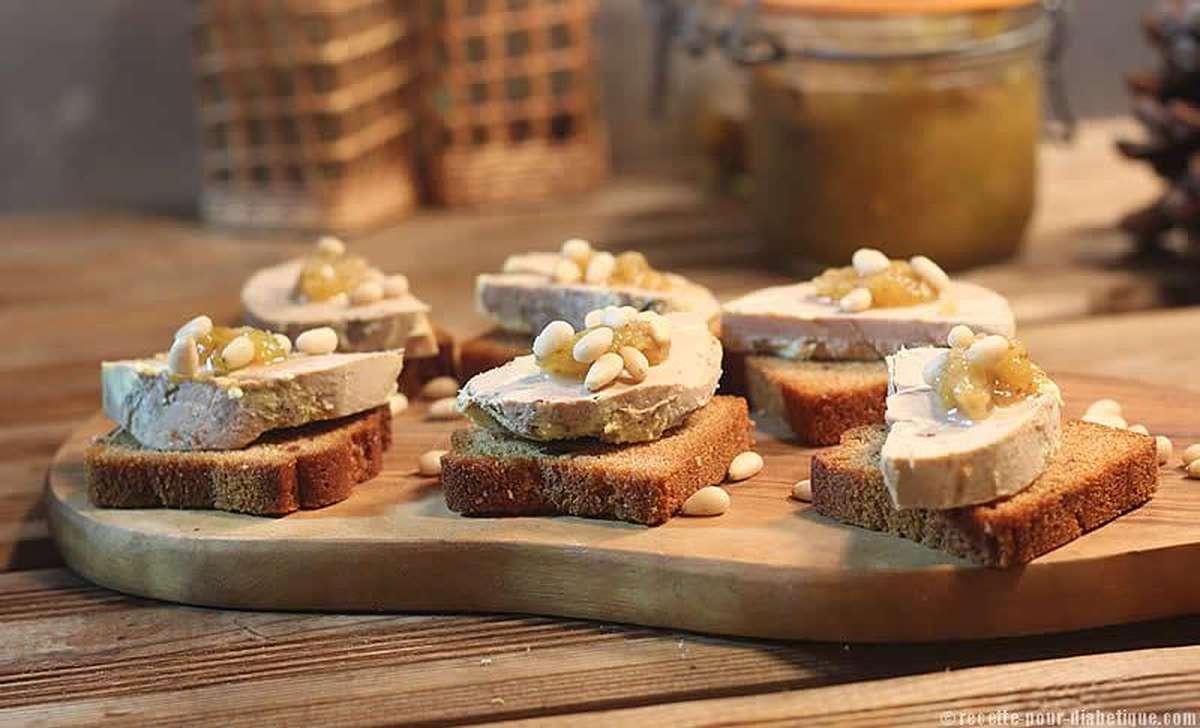 Grande planche de toasts au foie gras entier IGP Label Rouge (environ 40 pièces) /  à commander 48h à l'avance