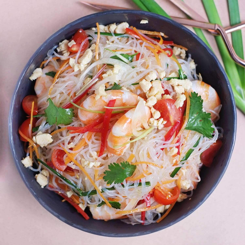 Super Salade Thaï de vermicelles de riz, crevettes et poulet | Miamtag  GA27