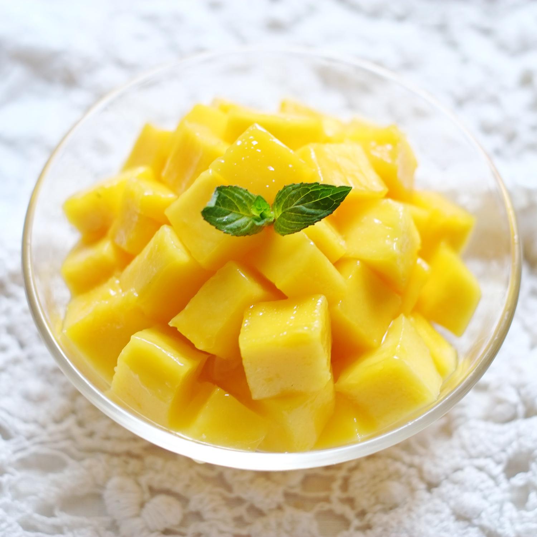 Mangue coupée en morceaux