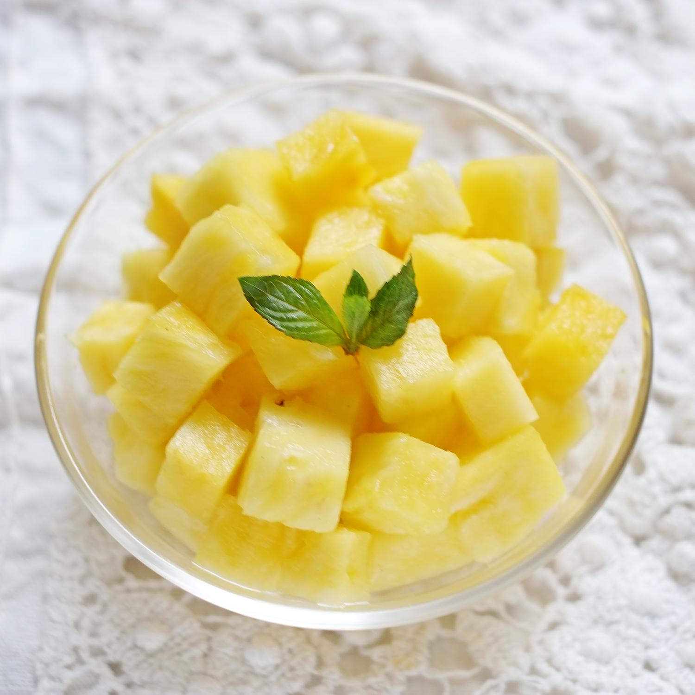 Ananas coup en morceaux miamtag livraison de produits frais sur paris et petite couronne - Conservation ananas coupe ...