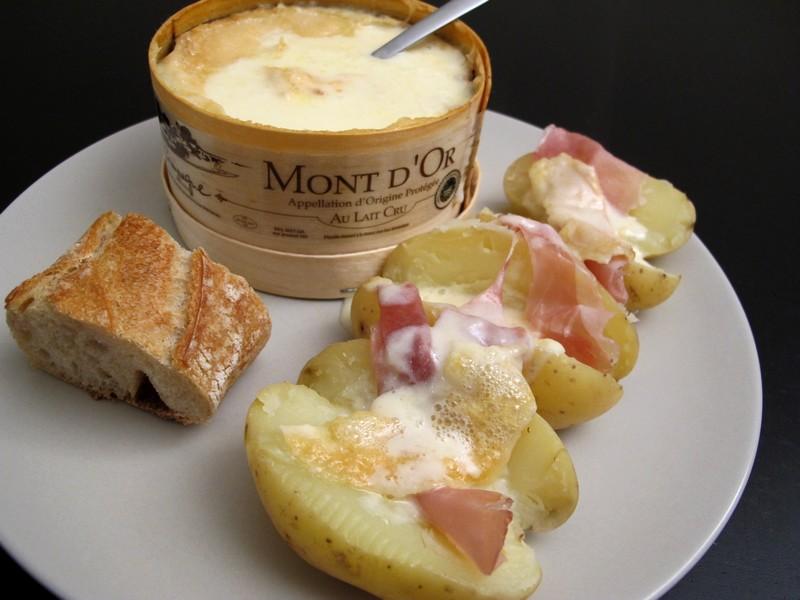 Raclette au mont d 39 or pour 2 la belle vie grande picerie fine et fraiche - Temps cuisson mont d or ...