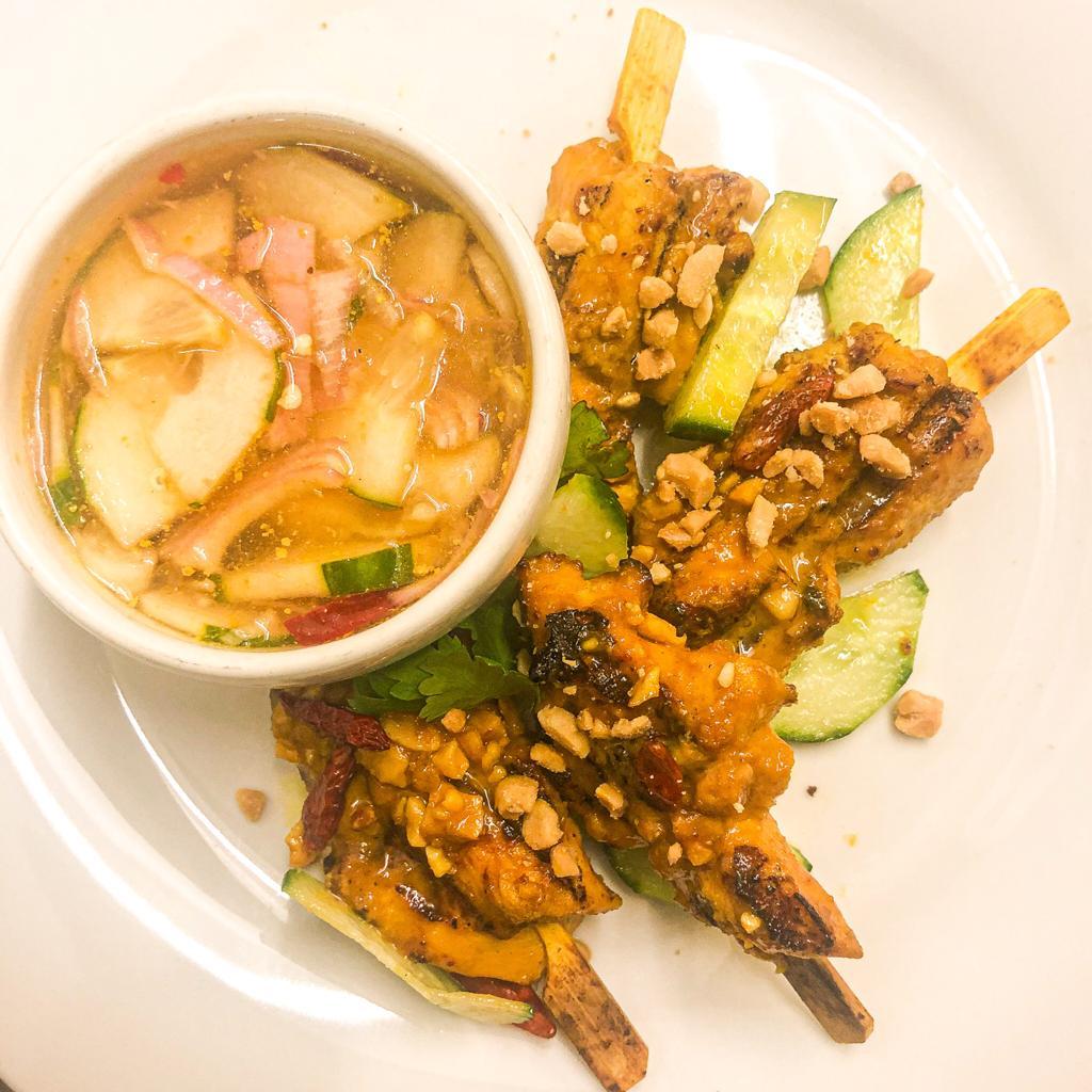 Brochettes de poulet fermier satay (x 3, 300 g avec la sauce)
