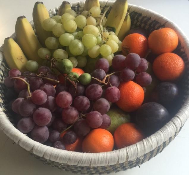 Corbeille en osier + fruits BIO de saison (3 kg)