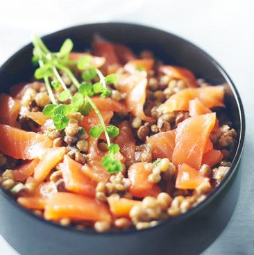 Lentilles anisées, gravlax de saumon à l'aneth et vinaigrette moutardée