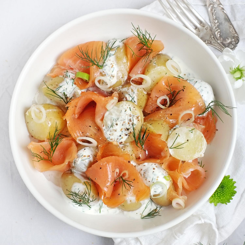 PDT grenaille, crème d'aneth et saumon fumé tranché main