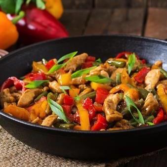 Poêlée de filets de poulet aux épices et aux légumes pour fajitas (400 g, pour 3 ou 4 fajitas)