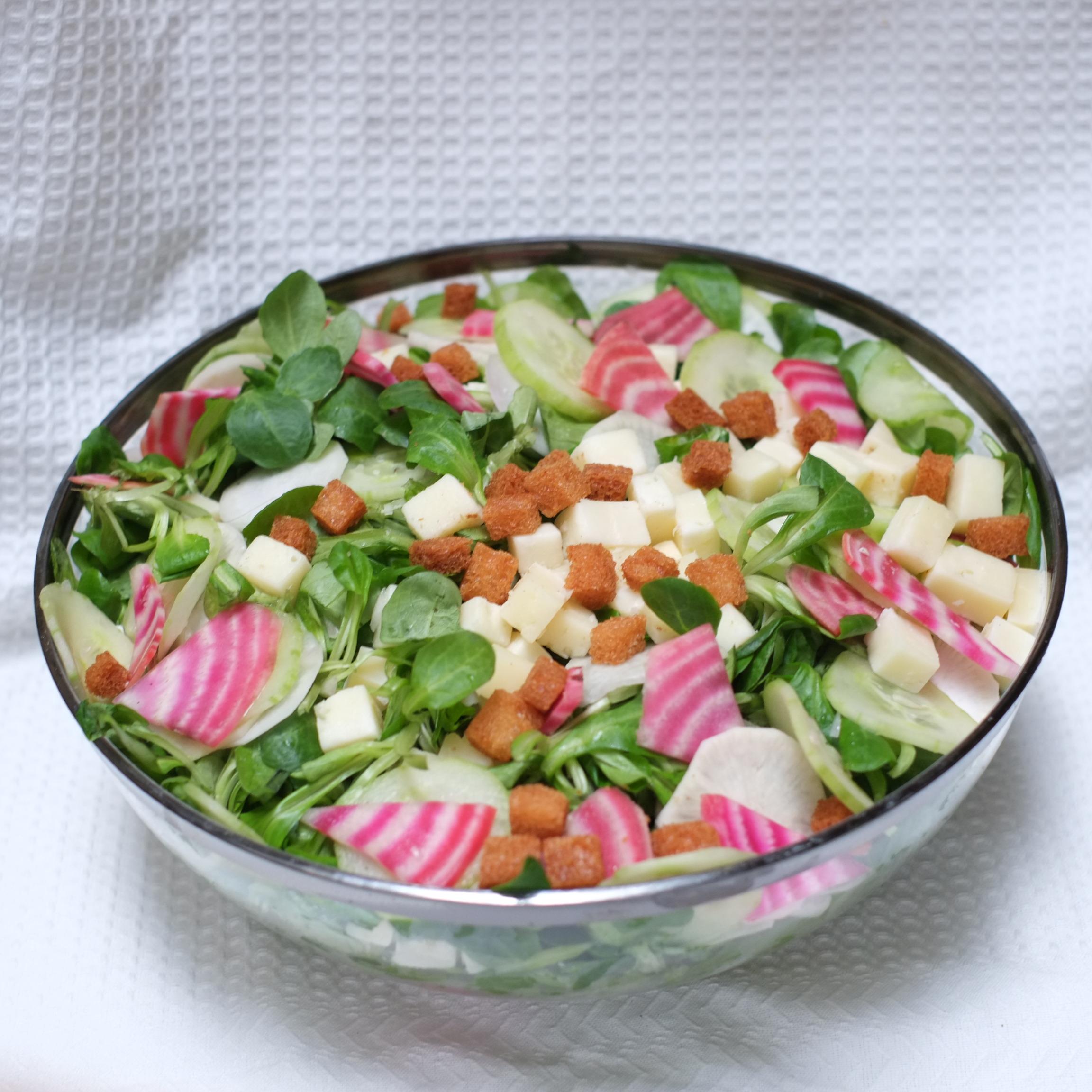 Saladier de salade de mâche et ossau iraty AOP - 24h à l'avance