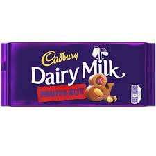 Dairy Milk aux amandes et raisins, Cadbury (200 g)