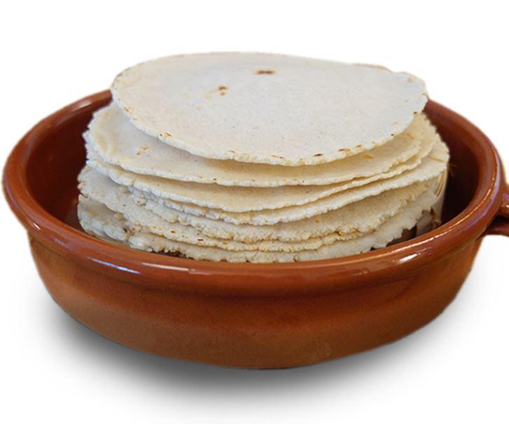 Tortilla Tradicional de Maïs sans OGM, diamètre 16cm (500 g, environ 18-19 tortillas)